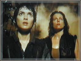 Bilder - Best of 2002 - alien-winona-ryder-sigourney-weaver