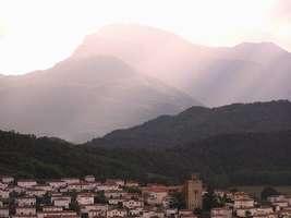Bilder - Best of 2004 - Spanien - Girona - berg-lichtspiel