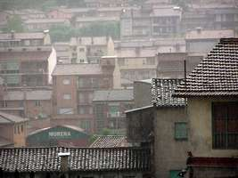 Bilder - Best of 2004 - Spanien - Girona - daecher-regen