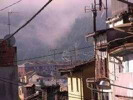Bilder - Best of 2004 - Spanien - Girona - haeuser-nebel