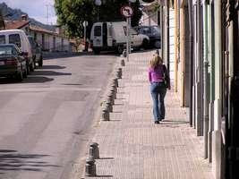 Bilder - Best of 2004 - Spanien - Girona - maedchen-aufwaerts