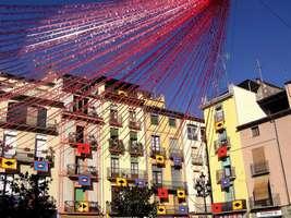 Bilder - Best of 2004 - Spanien - Girona - marktplatz-schmuck