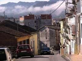 Bilder - Best of 2004 - Spanien - Girona - strasse-fallend