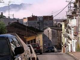 Bilder - Best of 2004 - Spanien - Girona - strasse-gefaelle