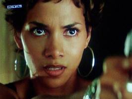 Bilder - Best of 2008 - halle-berry-swordfish